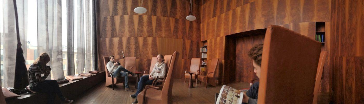 https://www.zuyd.nl/binaries/content/gallery/zuyd/opleidingen/vormgeving-architectuur-en-interieur/vormgeving-architectuur-en-interieur-1400x400.jpeg/vormgeving-architectuur-en-interieur-1400x400.jpeg/zuyd%3Alarge